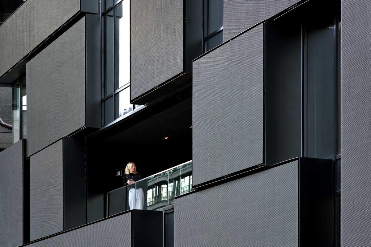 090_EP7_RANDJA_Paris_Semapa_-façade-ZoomCôté--est
