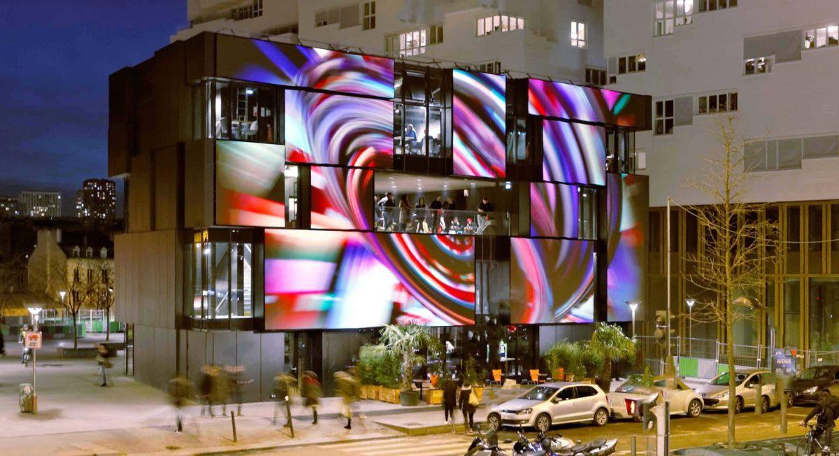 090_EP7_RANDJA_Paris_Semapa_-façade-digitale-côté