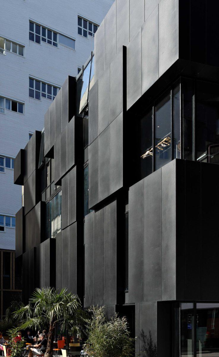 090_EP7_RANDJA_Paris_Semapa_-façade-ouest-zoom.côté